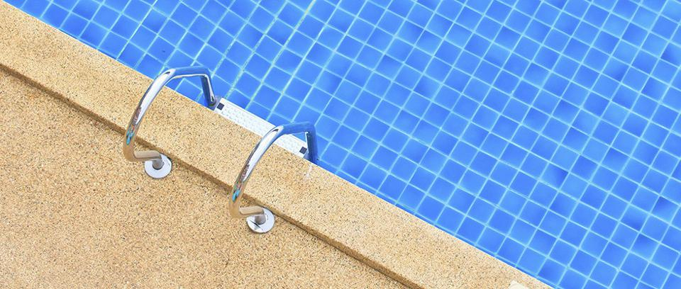 Does A Swimming Pool Increase Or Decrease Your Home S Value